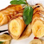Crépes mit Banane und Schokosauce
