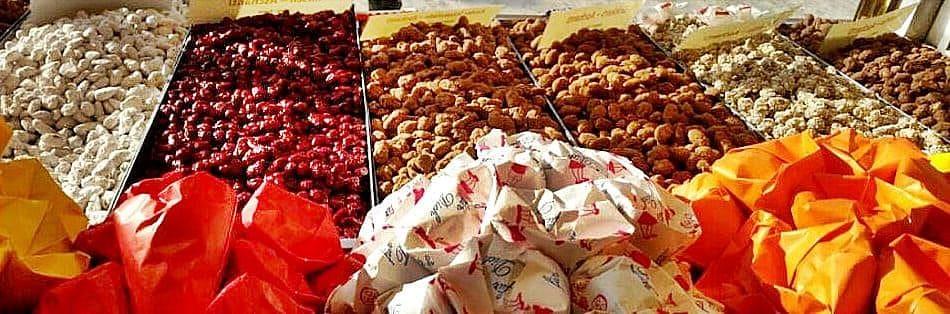 Gebrannte Mandeln auf dem Weihnachtsmarkt